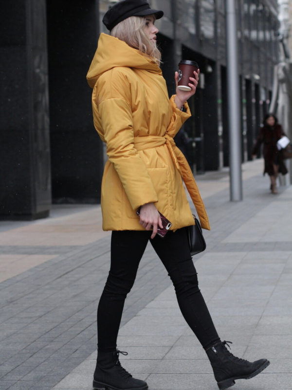 Пуховик с капюшоном короткий Golden Yellow
